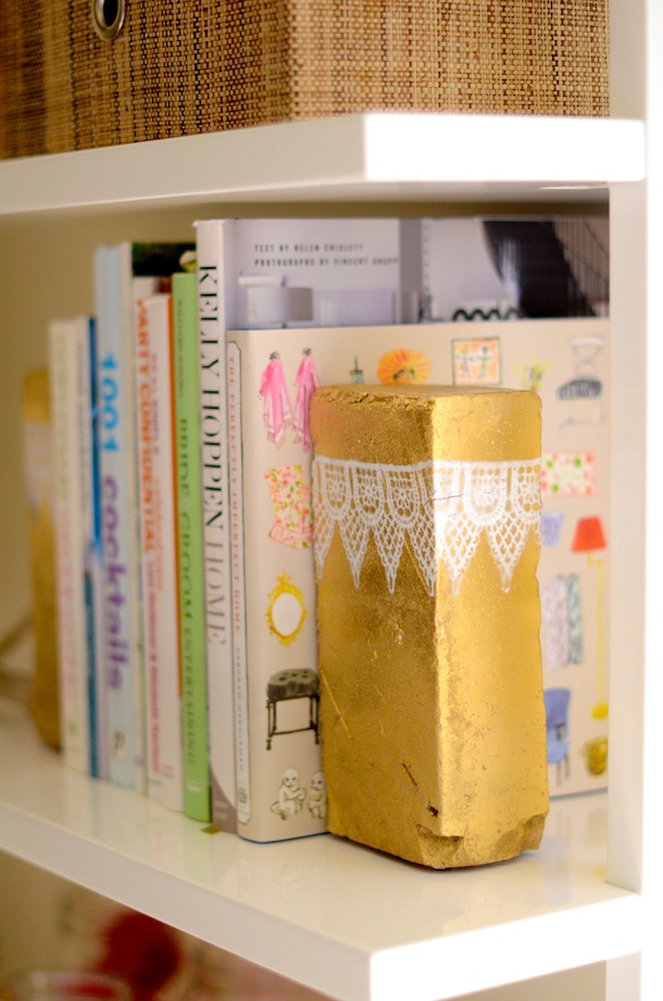 Artesanato Com Madeira Pregos E Linha ~ Pepitas de ouro (que valem mais do que dinheiro) como aparadores de livros Blog de decoraç u00e3o